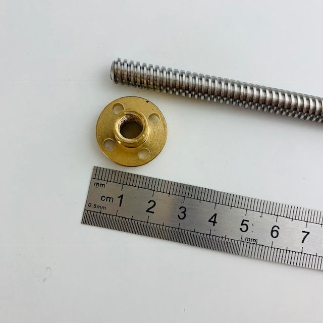Varão trapezoidal 8mm Passo 4mm por 600mm comp com parafuso